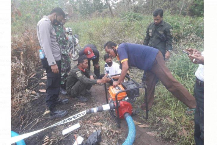 Pemdes Sutera uji coba mesin pemadam mini antisipasi karhutla