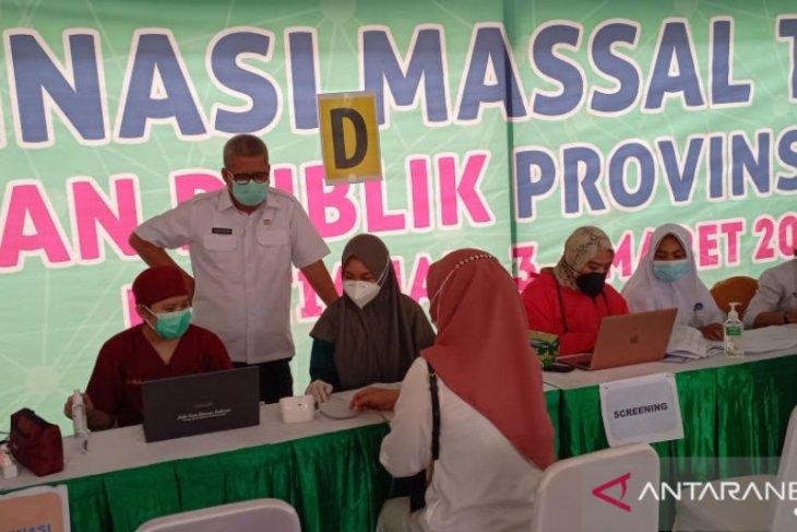 Dinkes Kalbar vaksinasi COVID-19 untuk 800 guru