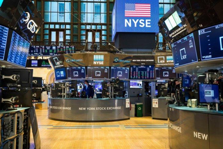 Wall Street berakhir beragam, Nasdaq tergelincir 310,99 poin