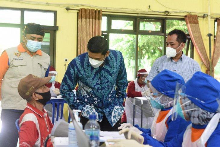 Pemkot Kediri gelar vaksinasi COVID-19 untuk pedagang pasar