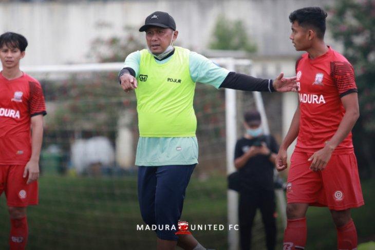 Madura United berburu pemain lokal untuk lengkapi skuad