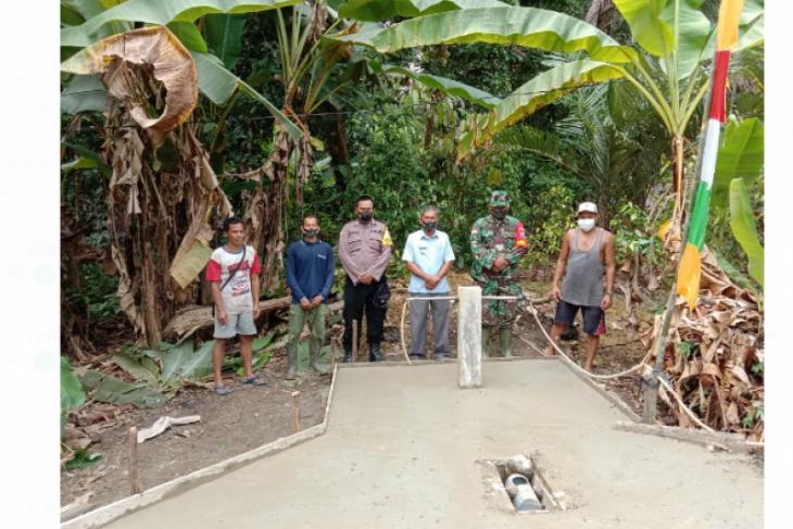 Satgas TMMD Kodim 1206/PSB bersama warga selesaikan pembuatan keran air bersih
