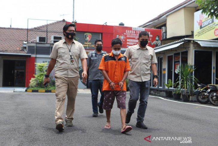 Pelaku pembunuhan seorang pemuda di Tenggumung Surabaya berprofesi tukang jagal