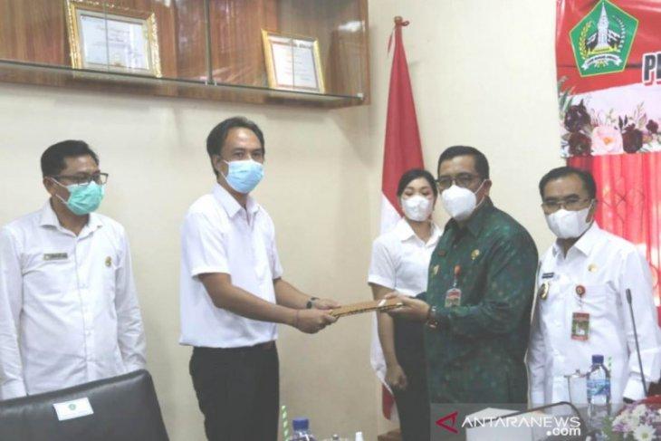 Bupati serahkan 100 SK untuk Tenaga P3K di Pemkab Tabanan