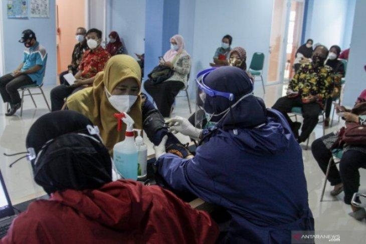 Pemkab Madiun mulai vaksinasi 7.699 guru jelang pembelajaran tatap muka