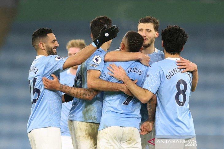 Manchester City semakin mapan di puncak klasemen