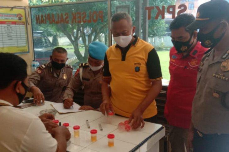 Polsek Salapian Langkat tes urine, 10 personel negatif