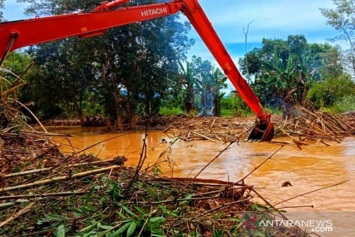 Dua bulan pascabanjir, Sungai Barabai masih keruh, ini penyebabnya