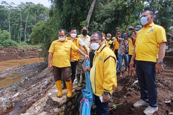 Tanggul jebol di Probolinggo, Golkar Jatim minta pengurus dan legislator cari solusi