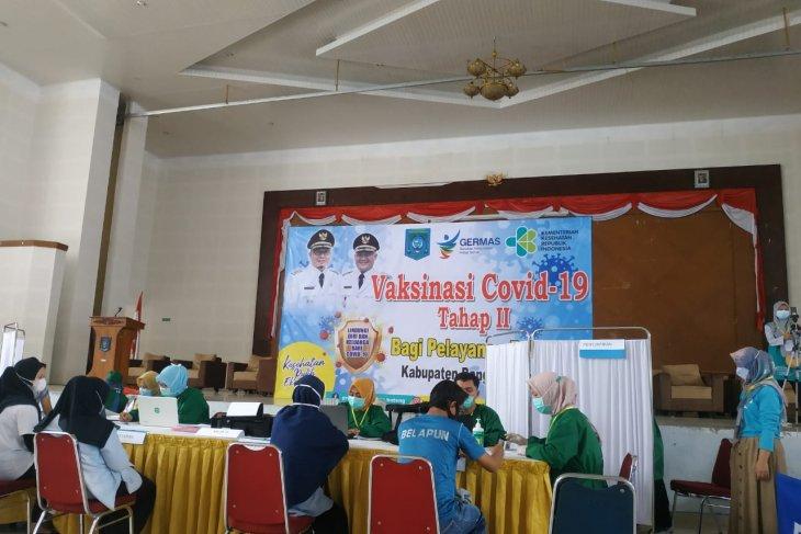Dinkes Bangka Tengah suntik vaksin 1.284 petugas pelayanan publik