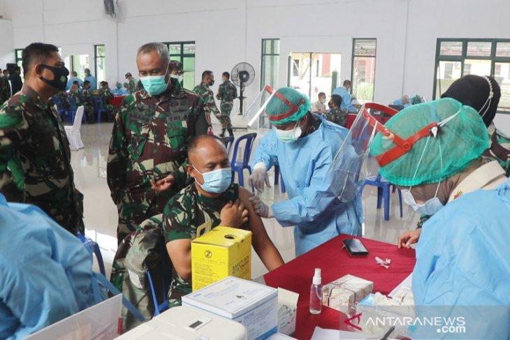 Danrem Antasari: Vaksinasi sokong TNI untuk penegakan prokes