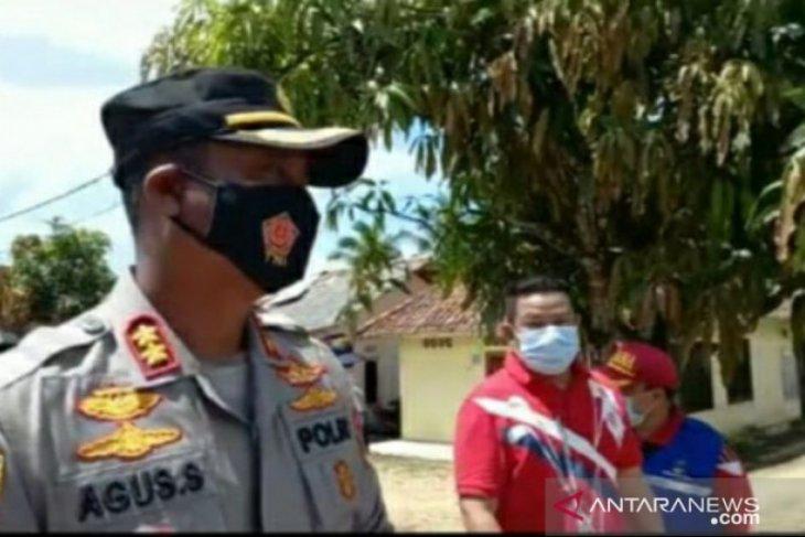 Bupati Bangka Selatan beri bantuan kepada warga korban bencana