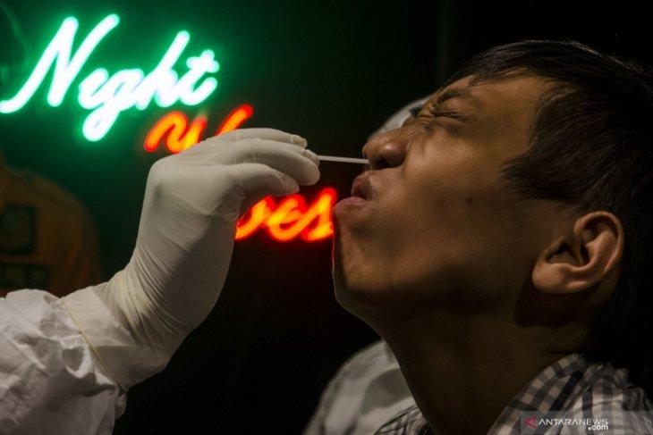 Melancong ke China harus dites usap anal untuk deteksi COVID-19