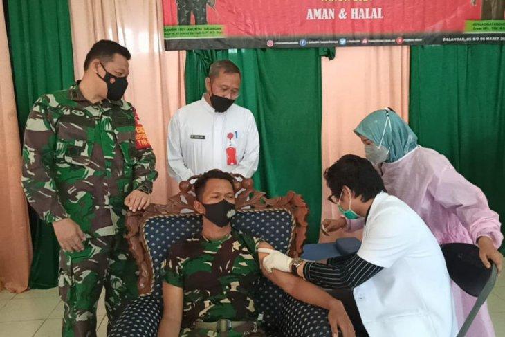 80 anggota TNI di Balangan divaksin