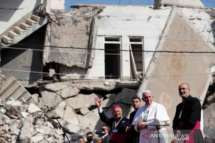 Paus Fransiskus mendarat di Mosul, Irak utara