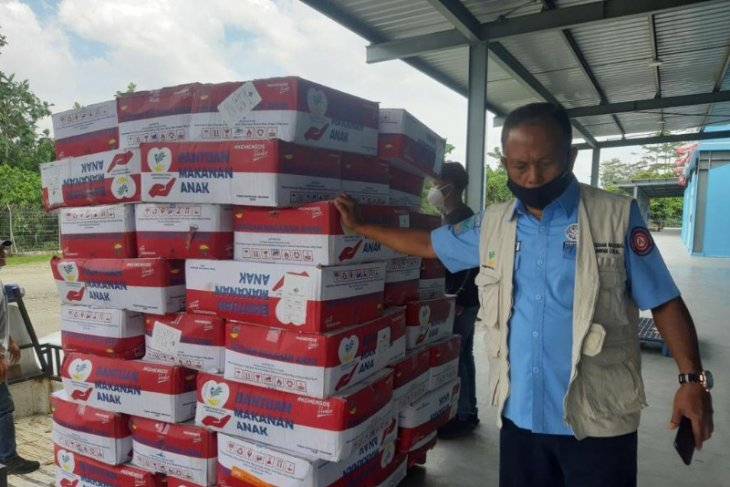 Govt's relief aid packages distributed to refugees in Intan Jaya