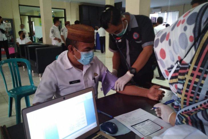 Dinkes Gorontalo gelar vaksinasi di tiga instansi