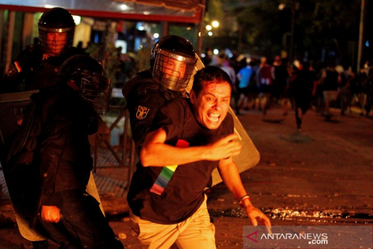 Parlemen Paraguay gagal memakzulkan Presiden Mario Abdo