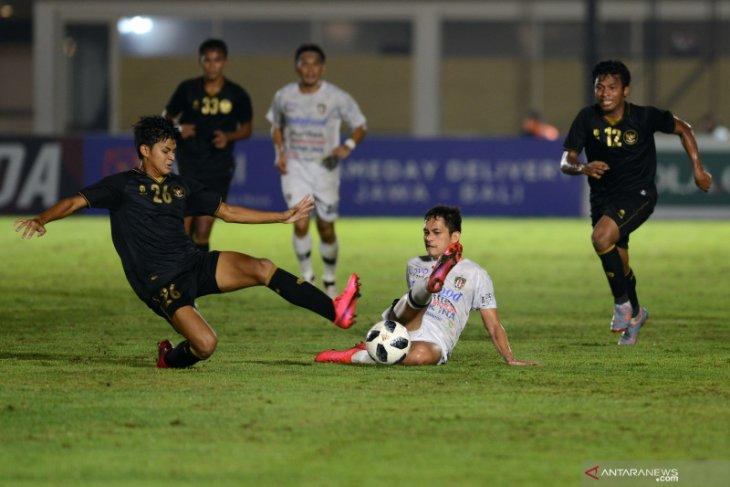 Teco anggap pemain Bali United kelelahan saat lawan timnas