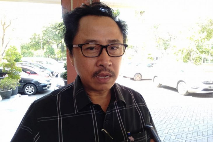 Legislator Surabaya berharap tidak ada lagi penahanan ijazah SMA/SMK