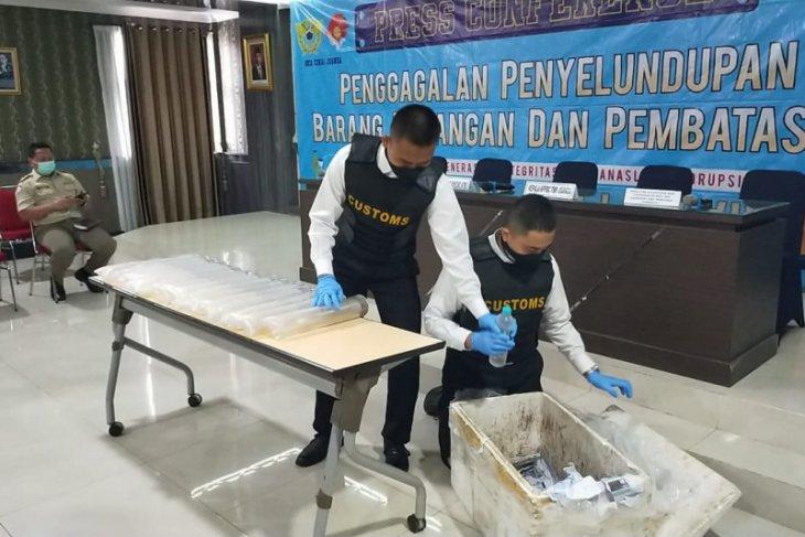Bea Cukai Juanda gagalkan penyelundupan ribuan benih lobster ke Batam