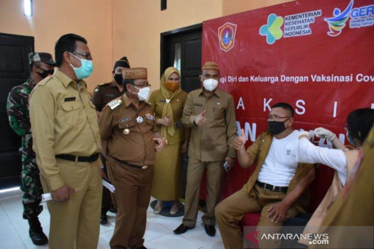 Bupati Gorontalo Utara targetkan semua guru dapat vaksin COVID-19