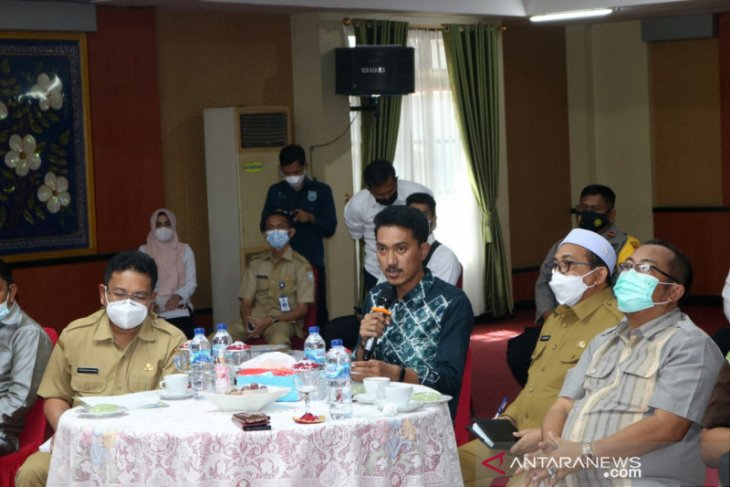 Bupati Banjar ingatkan prokes di Pilkades serentak 2021