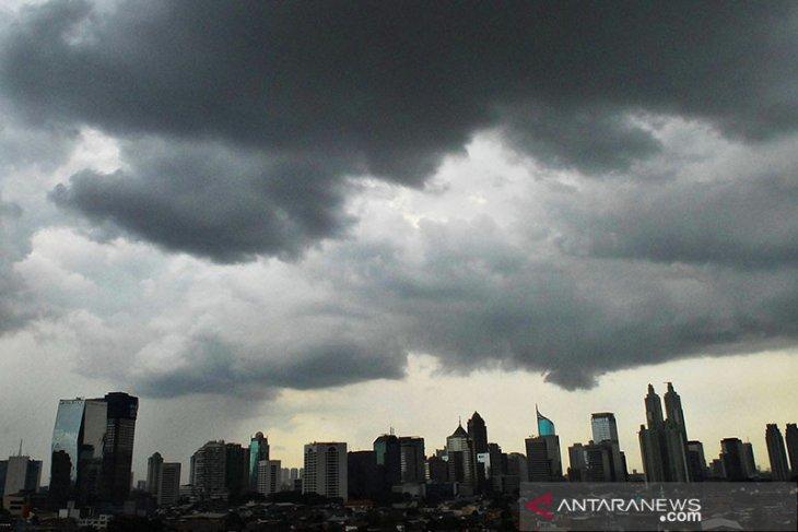 Hujan lebat diprakirakan  mengguyur sebagian besar wilayah Indonesia