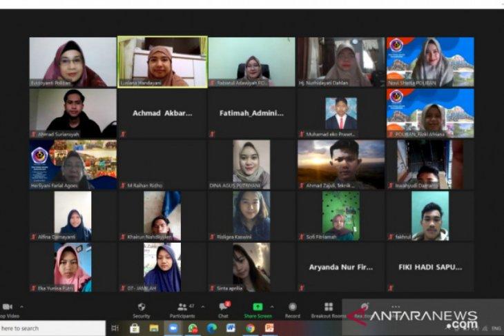 Mahasiswa Politeknik Banjarmasin dibekali semangat berwirausaha mandiri