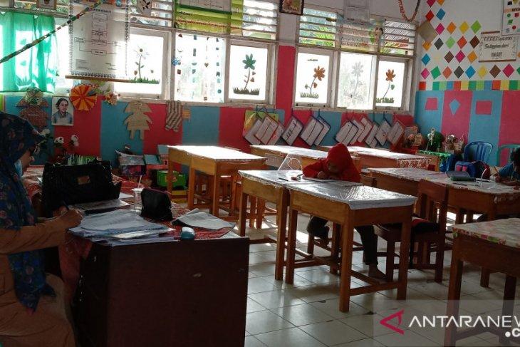 Delapan sekolah di Mukomuko kembali belajar daring