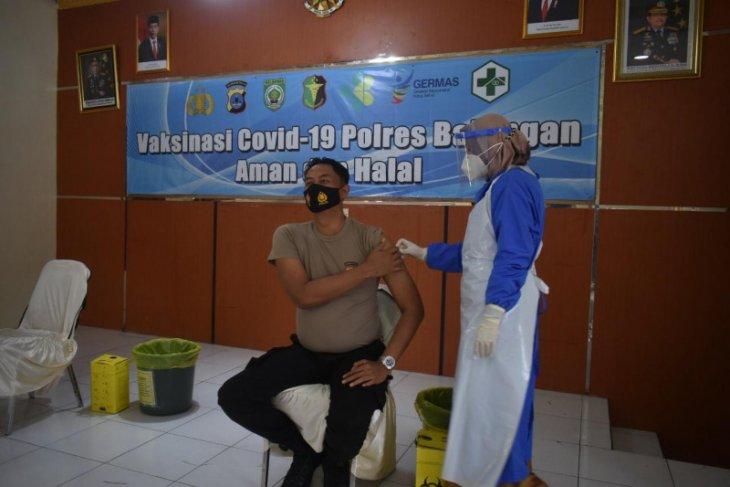 288 anggota Polres Balangan jalani vaksinasi COVID-19