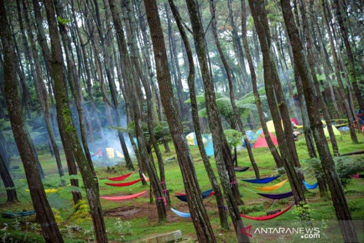 Pulihkan ekonomi, Pemkab Purwakarta tawarkan puluhan destinasi wisata