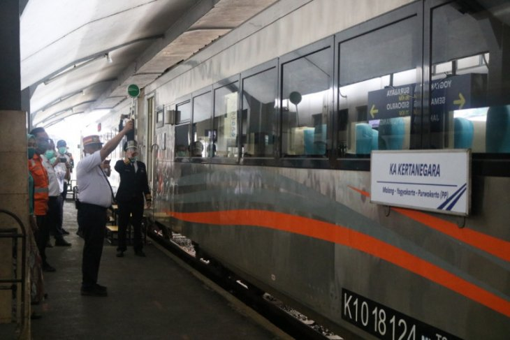 Daop Surabaya berangkatkan perdana KA Kertanegara relasi Malang-Purwokerto