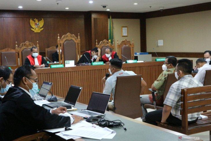 Edhy Prabowo berikan mobil dan apartemen untuk dua sespri perempuan