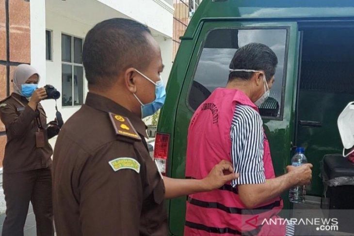Mantan Bupati Manggarai Barat Agustinus Ch Dulla tersangka ke-17 ditahan kasus aset tanah