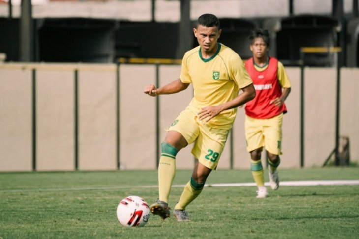 Striker eks-Arema FC Rivaldi Bawuo merapat ke Persebaya Surabaya