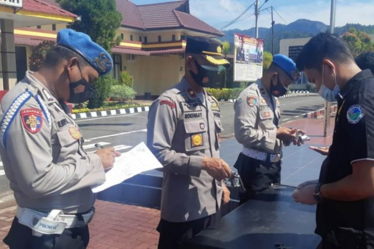 Wakapolres pimpin pemeriksaan senjata api personel Polres Tapteng