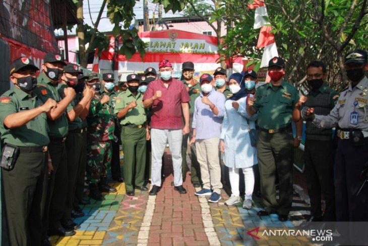 Pemkot Bekasi kukuhkan relawan kelompok tani di Kampung Sawah