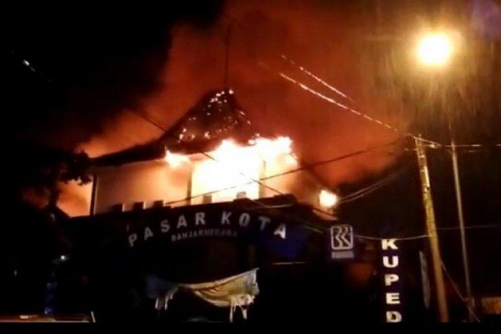 Pasar Banjarnegara terbakar, dua lantai pasar hangus