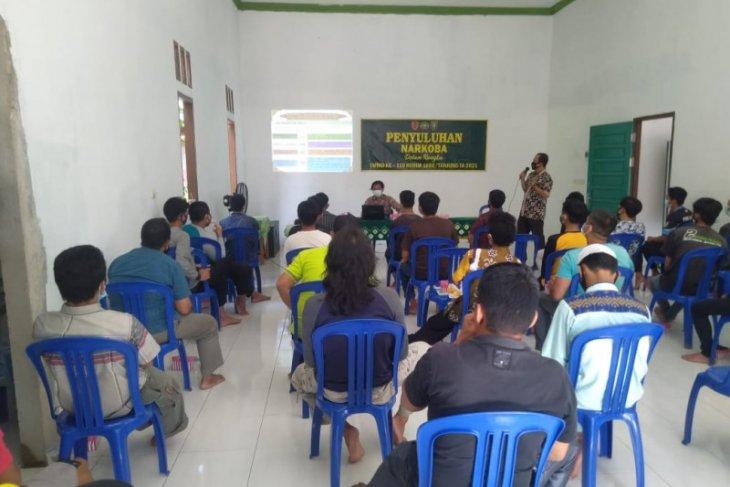Warga Desa Lok Batu ikuti penyuluhan narkotika