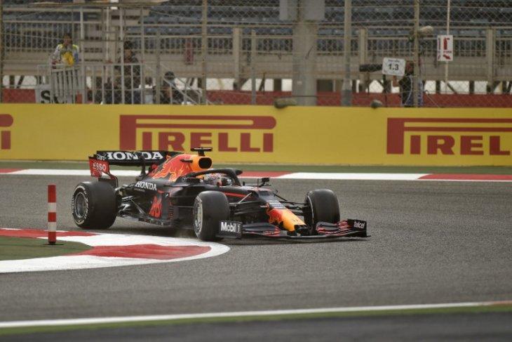 Max Verstappen puncaki hari pertama tes F1 di Bahrain