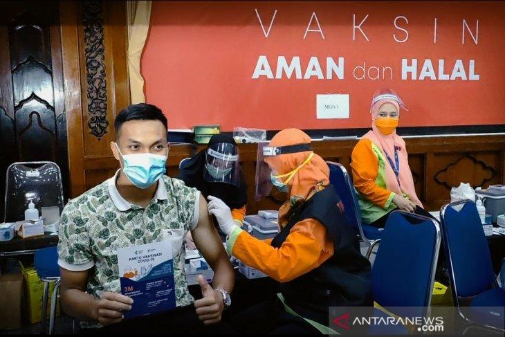 Empat pemain timnas asal Persebaya jalani vaksinasi dosis kedua di Surabaya