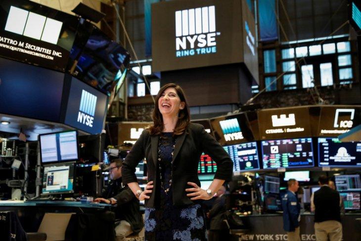 Wall Street  beragam, Dow catat rekor tertinggi kelima beruntun