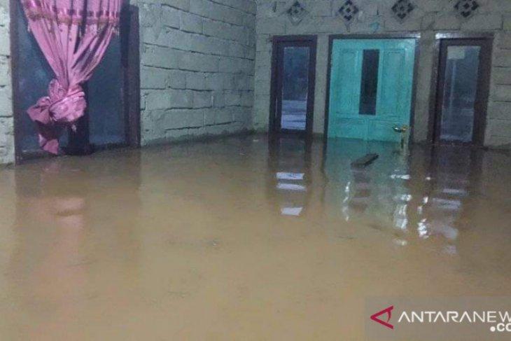 Banjir rendam permukiman sejumlah wilayah di Gorontalo Utara