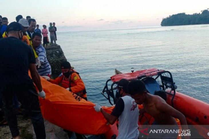 Seorang nelayan tewas tersambar petir saat mancing di laut, j terlempar dan tenggelam