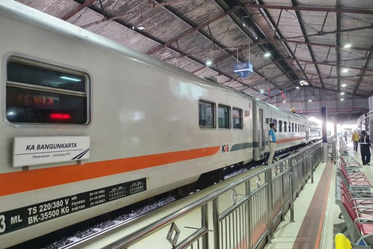 KA Bangunkarta kini berangkat dari Jombang tujuan Pasar Senen