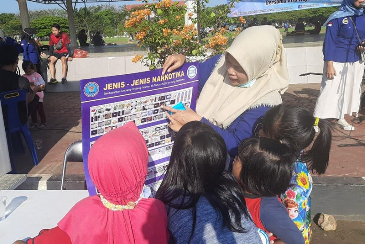 BNN employs buskers in Aceh to drive drug prevention campaigns