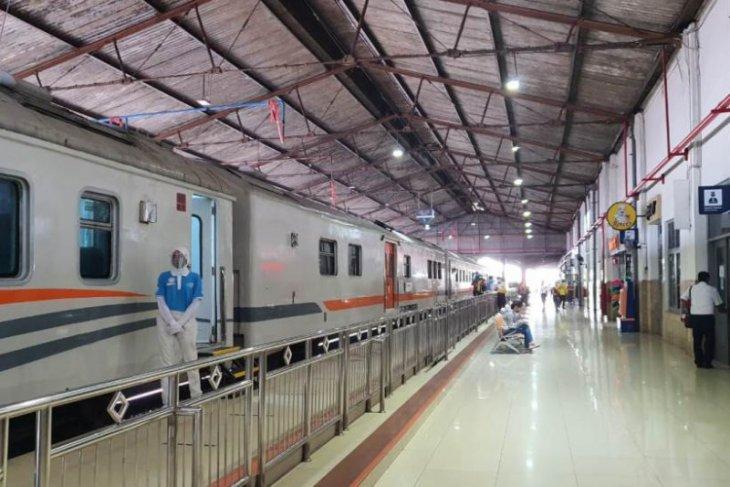Stasiun Madiun layani 6.910 penumpang kereta jarak jauh