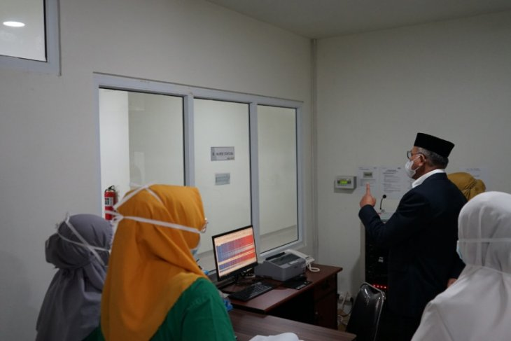 Optimalkan layanan, Gubernur Aceh tinjau kesiapan pengoperasian ruang khusus COVID-19