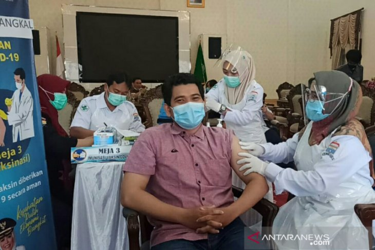 100 jurnalis di Kota Palembang disuntik vaksin